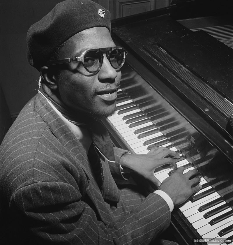 Thelonious_Monk,_Minton's_Playhouse,_New_York,_N.Y.,_ca._Sept._1947_(Willia.jpg
